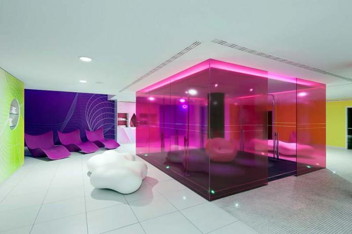 Hotel nhow berlin by sergei tchoban and karim rashid for Berlino design hotel